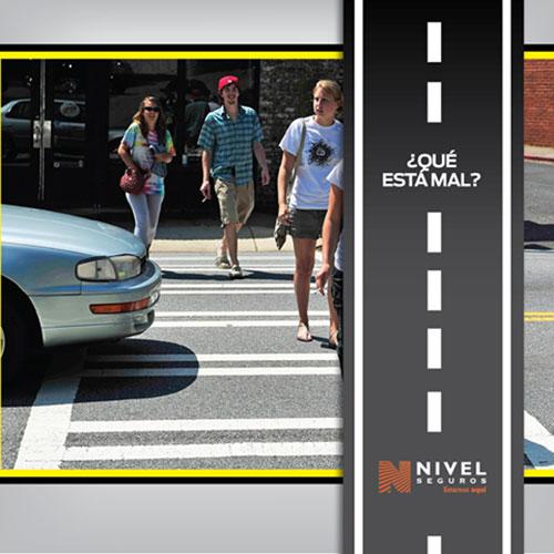 Invadir el límite de senda peatonal